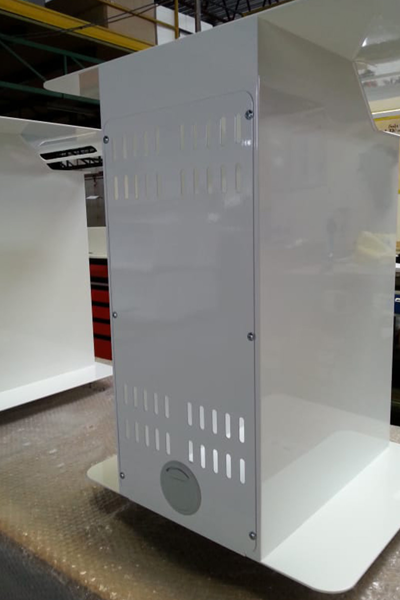removable rear panel for access to the case